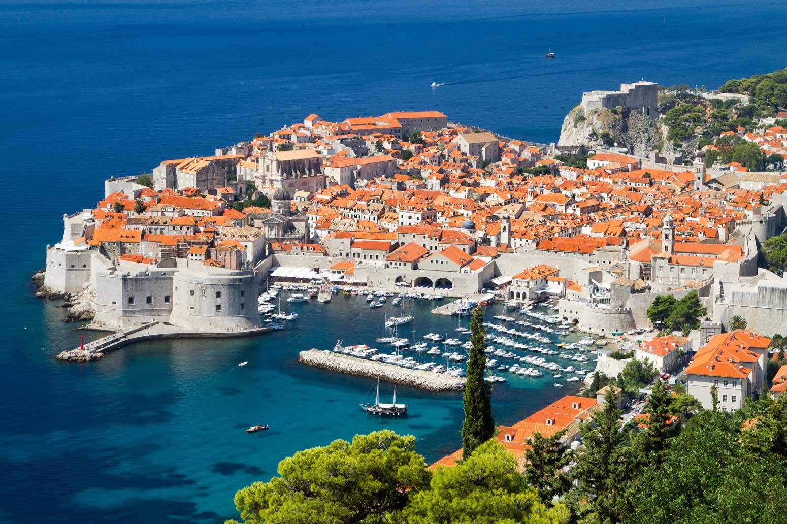 Красивата Далмация на Хърватска - острови и дворци - самолет!