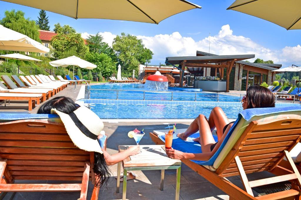 Петзвездна лятна ваканция в Регнум Банско хотел и Спа 5*