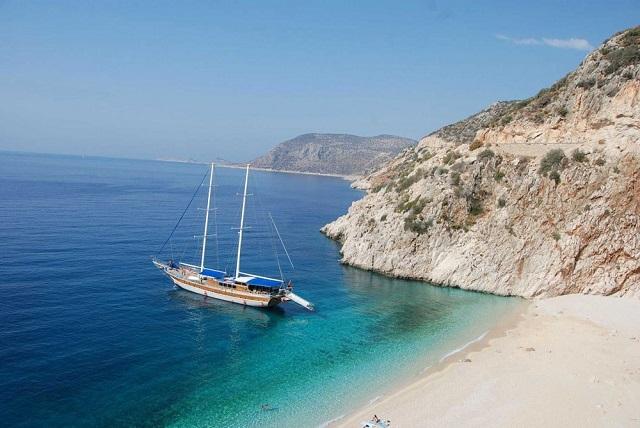 Комбинирана почивка на яхта и хотел в Мармарис с полет от София
