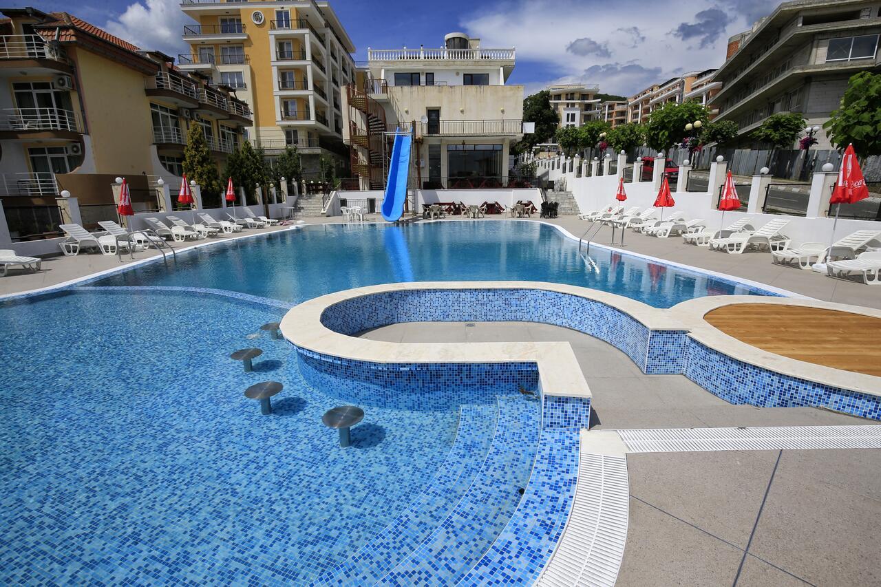 Морска почивка в хотел Корона 3*, Св. Влас – Ол инклузив