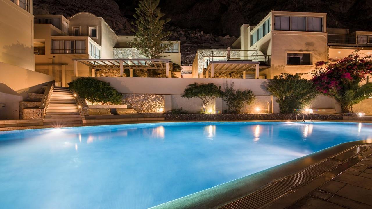 Antinea Suites Hotel & Spa 4* - Почивка в Санторини