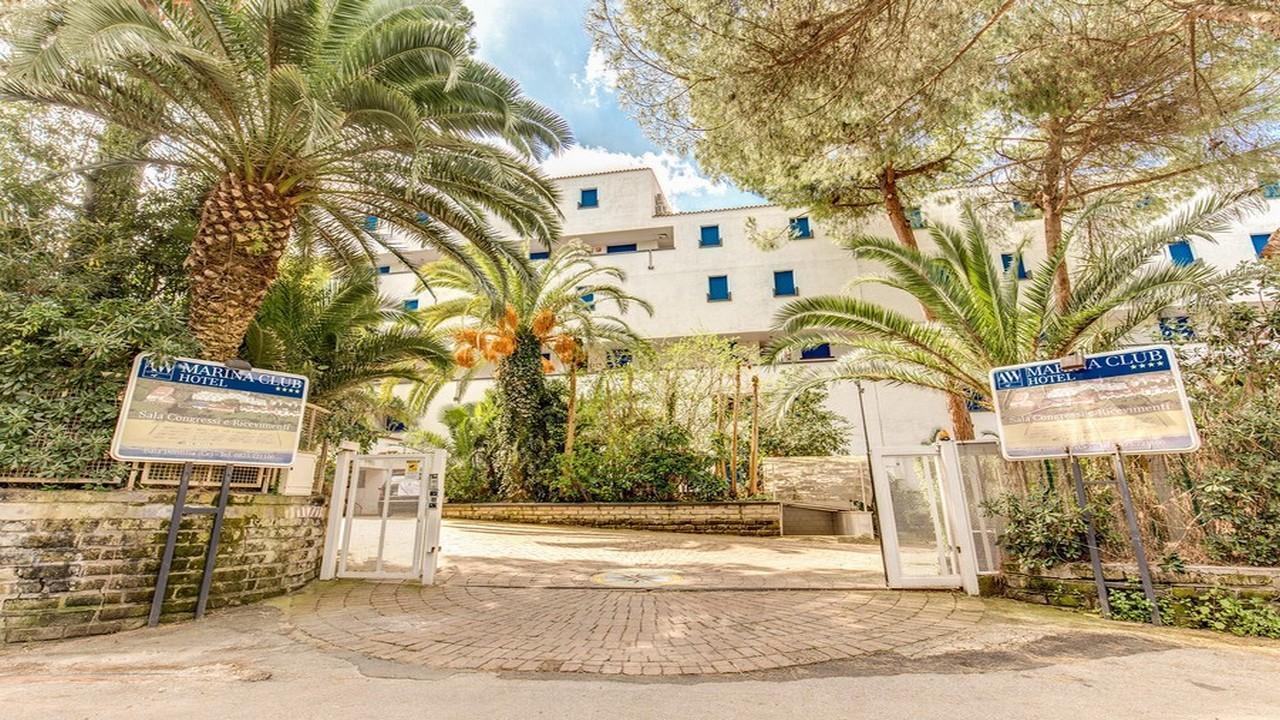 Marina Club 4* - Почивка в Кампания
