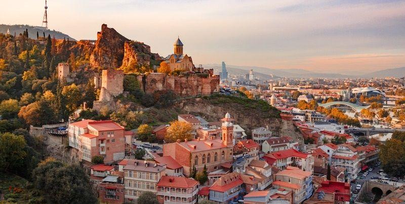 Опознайте невероятната Грузия с полет от София или Варна