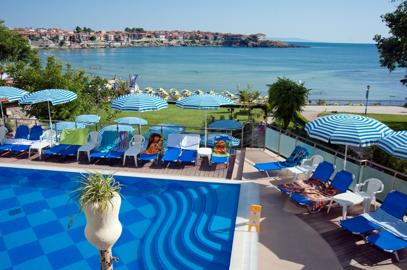 Морска почивка в Созопол - хотел Вила Лист 4*