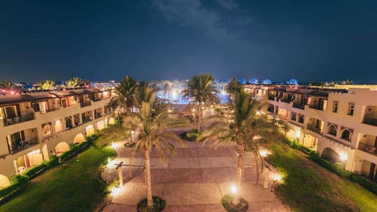 Sea Beach Aqua Park Resort - ЕКЗОТИЧЕН ЕГИПЕТ, Шарм ел Шейх и Кайро – оферта за 30.10.2021 г. с полет от София