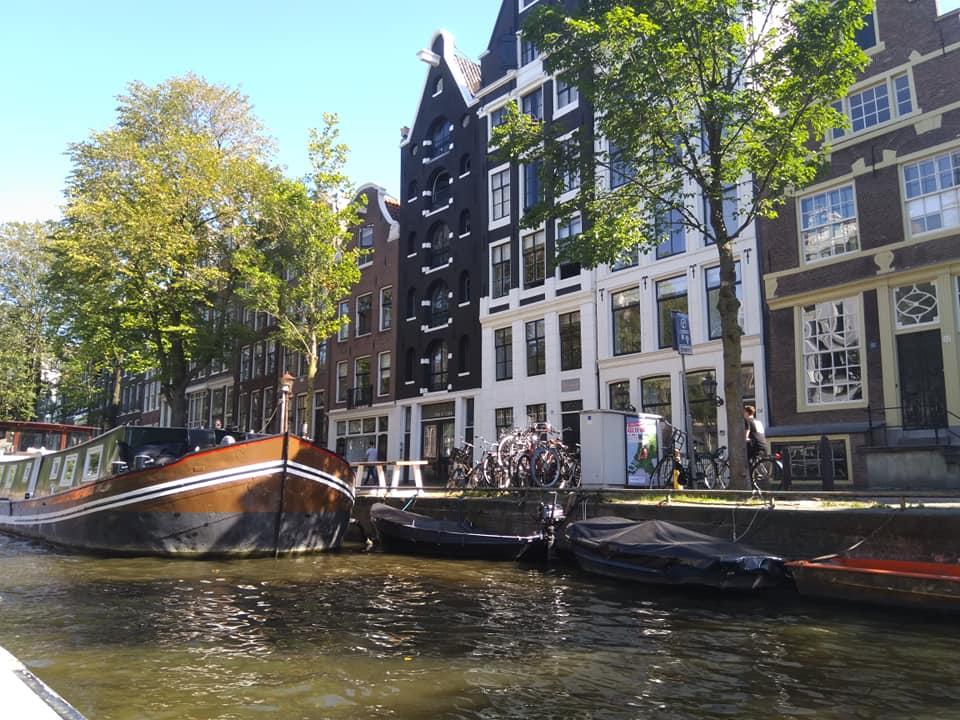 Екскурзия до Амстердам със самолет - 3 нощувки със закуски в централен хотел!