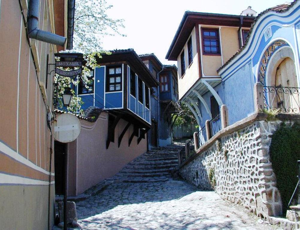 Дефиле на младото вино в стария Пловдив - еднодневна екскурзия с автобус!