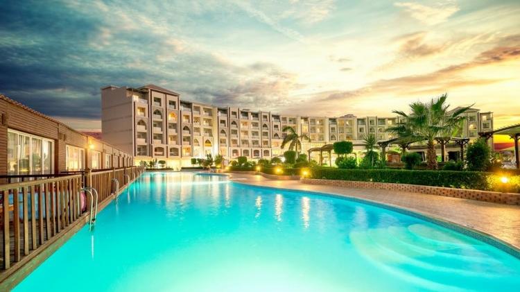 Caesar Palace Hotel & Aqua Park 5* - 7 дни All Inclusive почивка за Коледа и Нова в Хургада, Египет - чартър от Варна