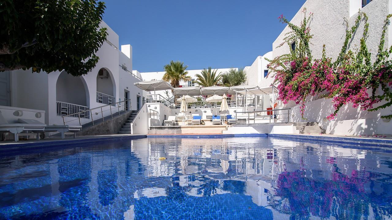 RK Beach Hotel 4* - Почивка в Санторини