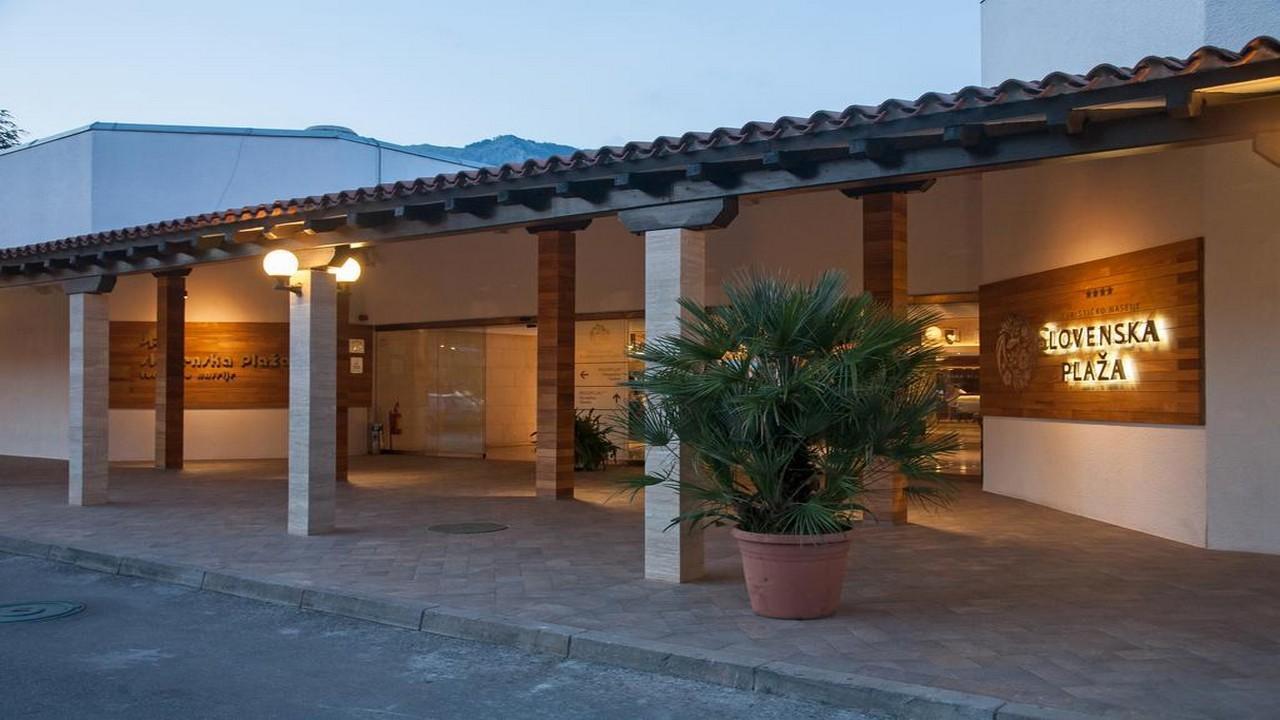 Slovenska Plaza3* - Почивка в Черна гора с чартър от София