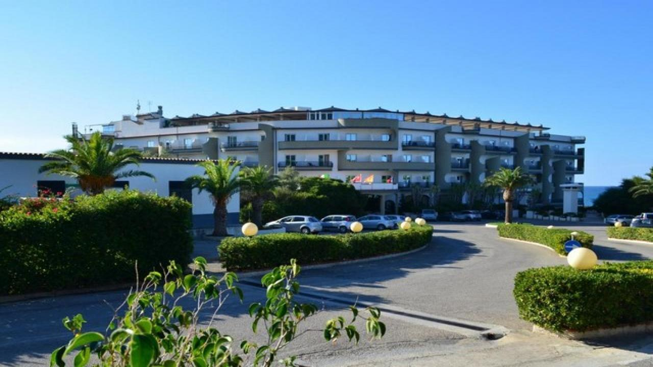 Carlton Riviera - Почивка в Чефалу, Сицилия с полет от Варна