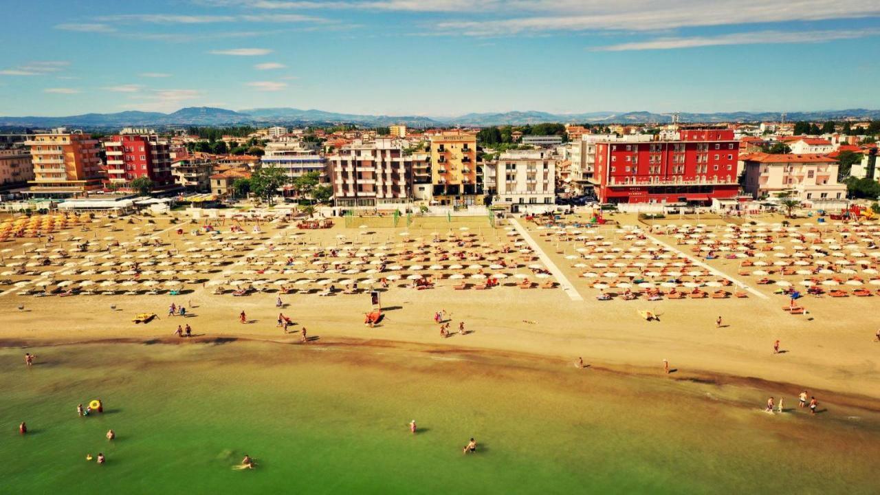 Hotel GIN - Мечтана Италия