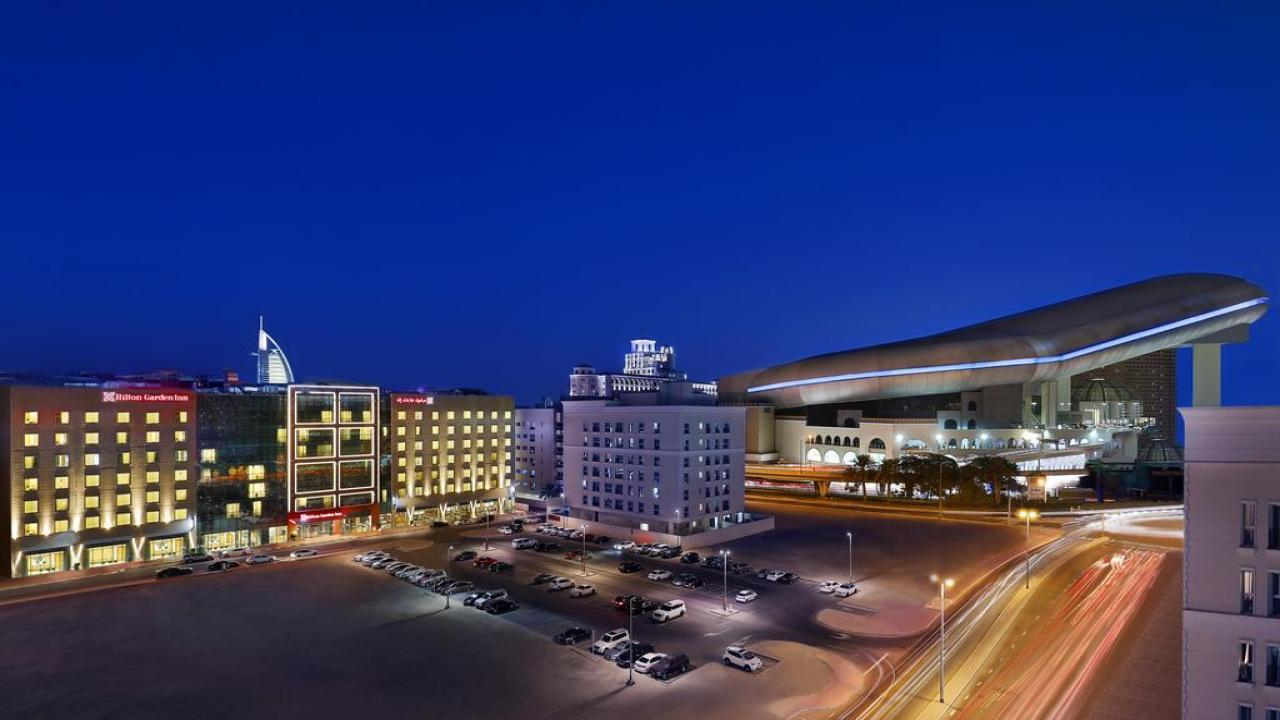 Hilton Garden Inn Mall of Emirates - Майски празници в Дубай