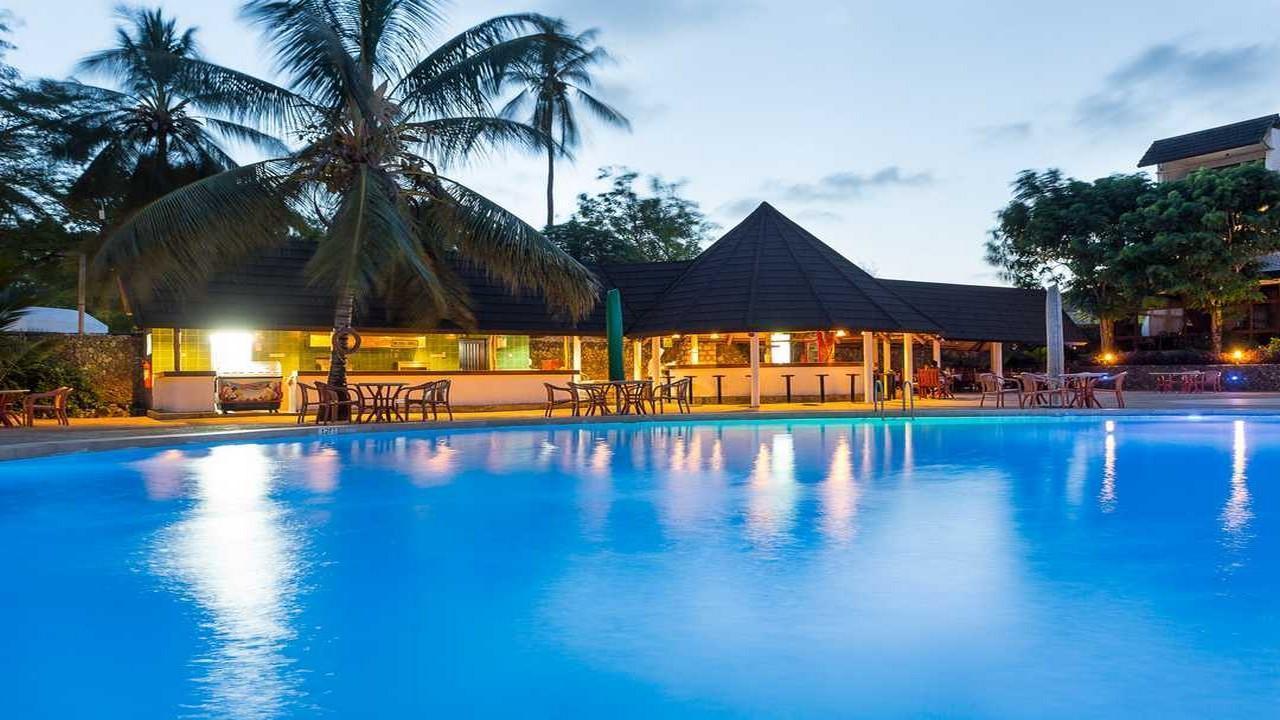 Travellers Beach Hotel - Почивка в Кения - 7 нощувки All Inclusive с полет от Варна
