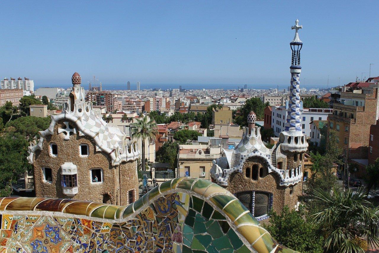 Барселона - индивидуално пътуване със самолет