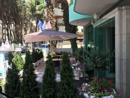 Почивка в Албания - собствен превоз: хотел Western Star 4*, Дуръс