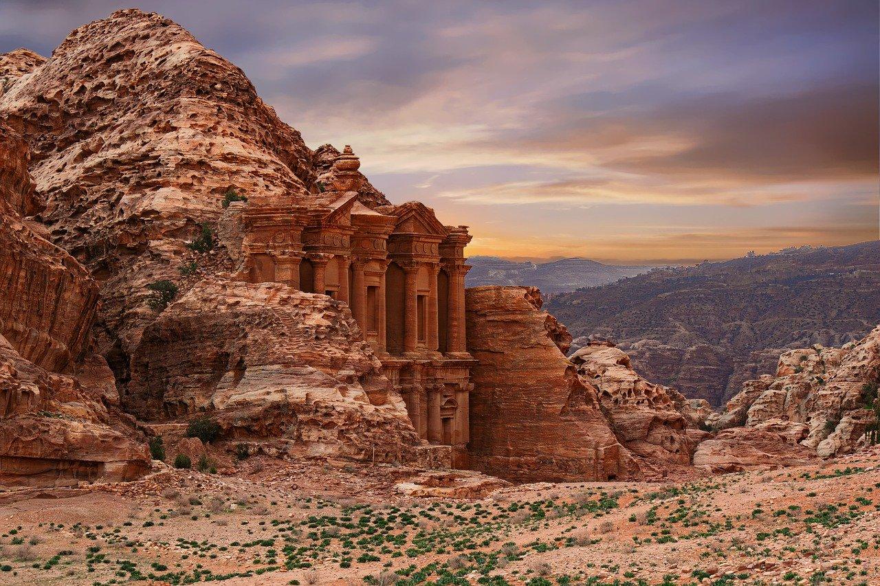 Йордания  обиколна програма с чартърен полет