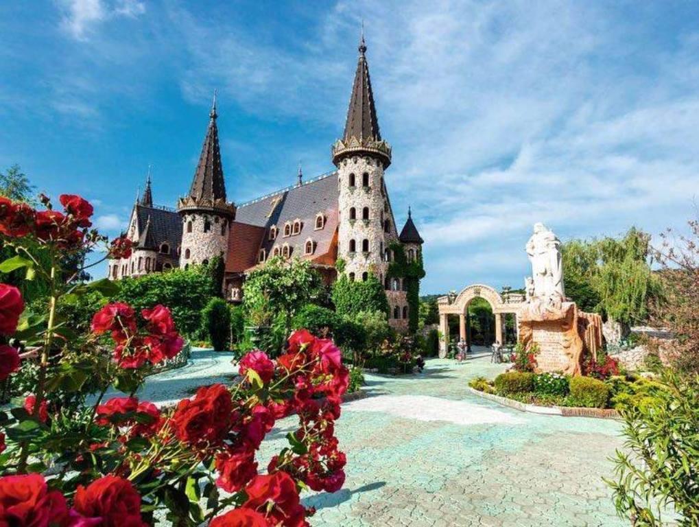 Созопол и замъка в Равадиново - 3 дни с автобус