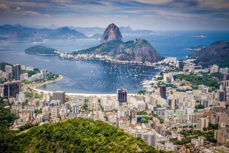 Карнавалът в Рио с водопадите Игуасу