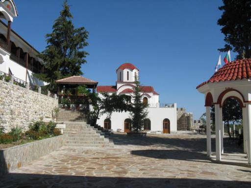 Пловдив и Кукленски манастир - еднодневна екскурзия с автобус!