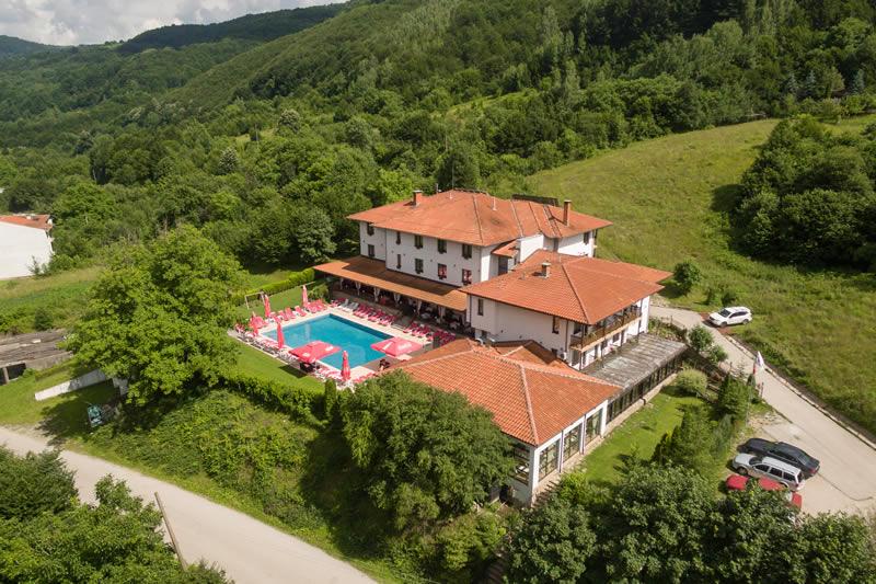 Почивка в сърцето на Балкана - парк хотел Фея 3*, Чифлик
