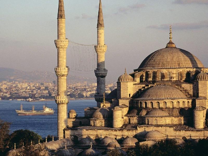 Уикенд в Истанбул с автобус - 3 нощувки - от София!