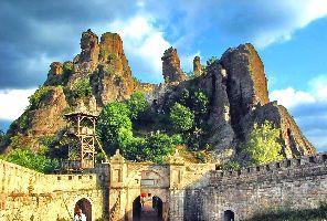 Белоградчик и пещера Магурата - еднодневна екскурзия с автобус!