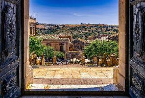 Сицилианско бижу с 4 включени екскурзии в цената: 7 нощувки