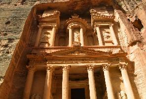 Йордания: 5 нощувки в Акаба и Петра + джип тур в пустинята Вади Рам: Вариант 2