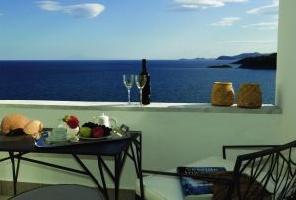 Мини почивка в хотел Lucy 5* Кавала ,на плажа Каламица
