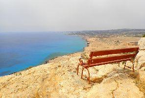 Есенно море в Кипър: 3 нощувки със самолет