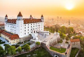 Екскурзия до Братислава със самолет - Без водач от България!