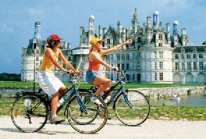 Париж и замъците по Лоара - самолет и автобус - ТОП екскурзия!