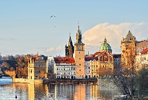 Прага и Карлови Вари с автобус - без нощни преходи!