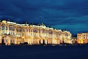 Величието на Русия: Санкт Петербург и Москва за Белите нощи