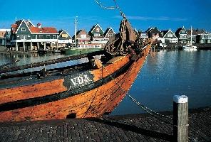 Майски празници в Амстердам - цветен и вдъхновяващ - ТОП оферта!