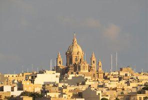 Най-ниски цени: Малта със самолет