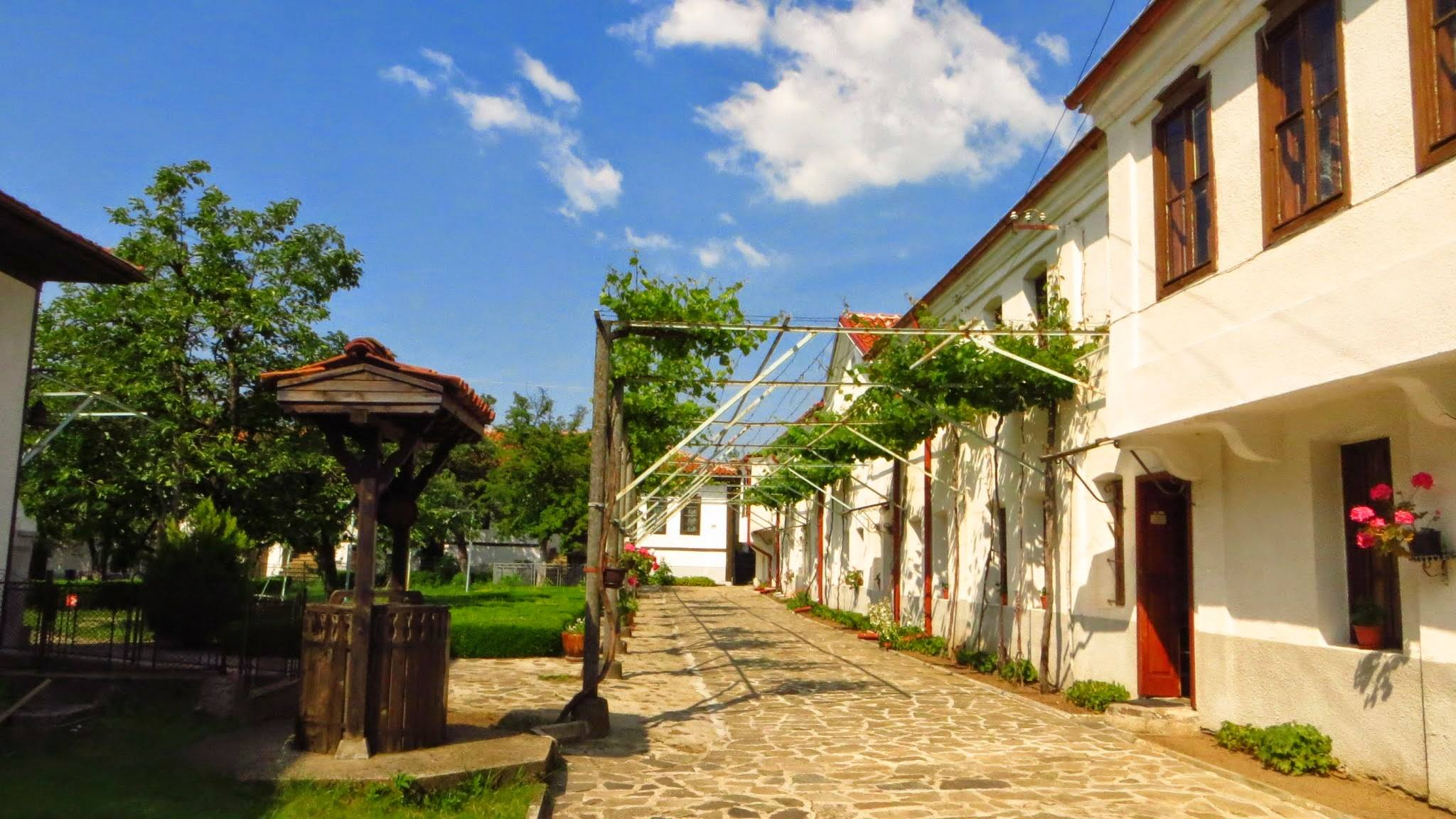 Пътувай и почисти България - национална кампания