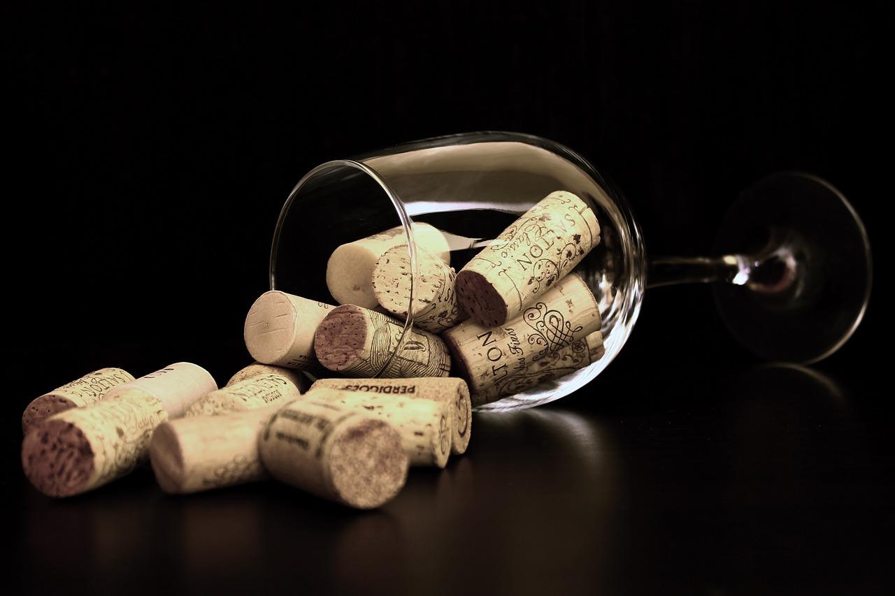 Винарски изби в България с възможност за дегустация и настаняване