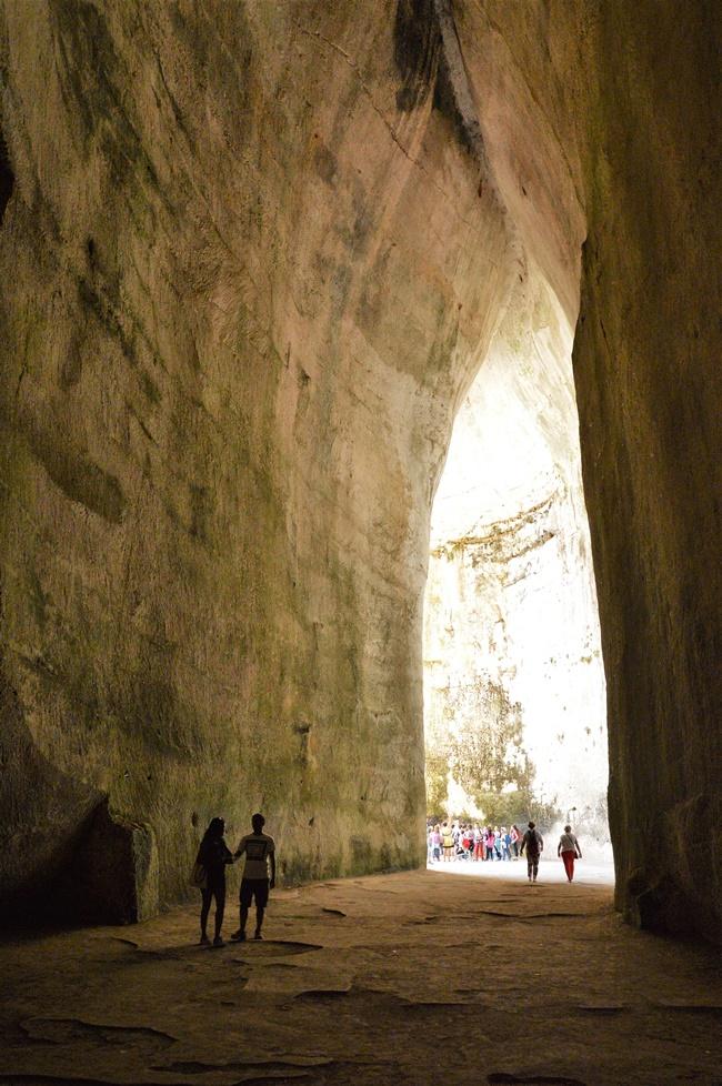 Ухото на Дионисий в Сицилия: Недей да шепнеш тайни тук
