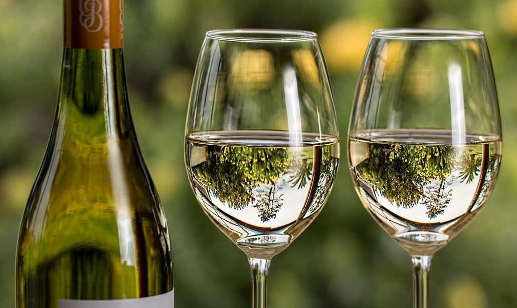 Как да съчетаваме храна и вино от български сортове