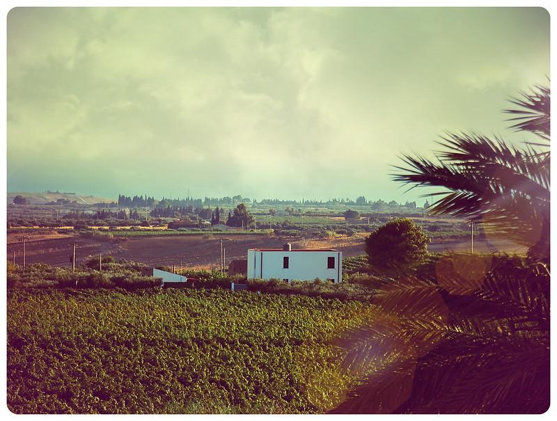 Менфи, Сицилия - вино и църква в скалите