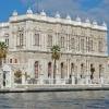 Дворецът Долмабахче - най-големият дворец в Турция