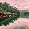 Да спиш в плаващо бунгало: Национален парк Као Сок в Тайланд