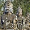 Сием Реап: градът, който пази входа за Ангкор Ват