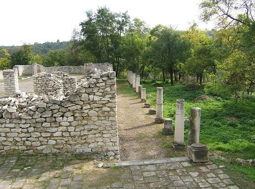 Резултат с изображение за Късноантична базилика в Сторгозия